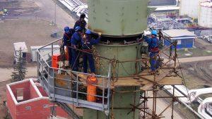 Montaža kolone u Rafineriji nafte Brod