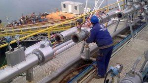 Remont barže u Rafineriji nafte Brod